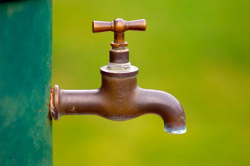 800px-Brass_water_tap